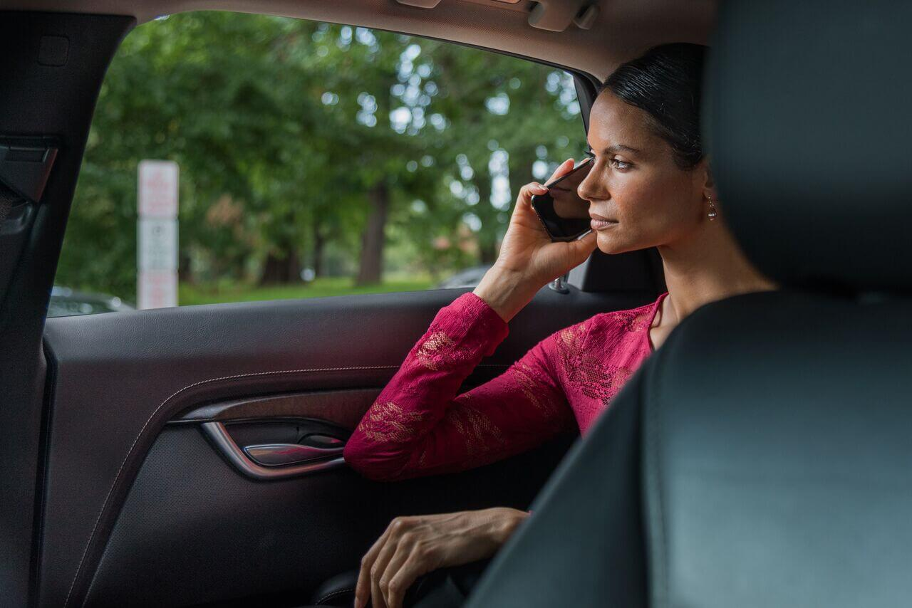 Best Car Service to Dulles | IAD Airport Limo Service - DCAcar ®